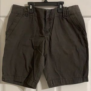 Women's Old Navy Bermuda shorts